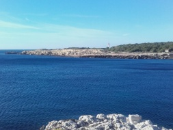 Sentier côtier de la côte bleue  à martigues.